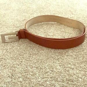 Like new Italian calf skin leather Guess belt